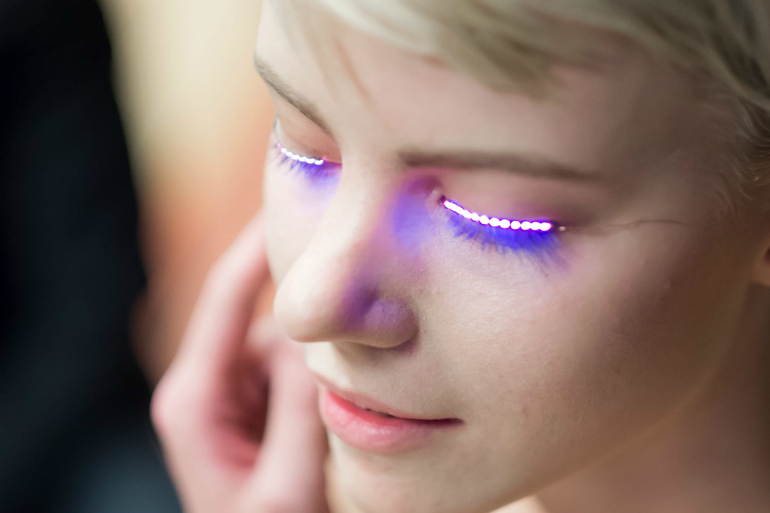 LED eyelashes - LED Eyelash Extensions!?!?