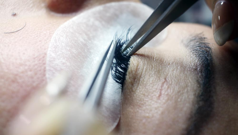 eyelash extension tips - 7 Fascinating Tips That Will Have Your Lashes On Fleek